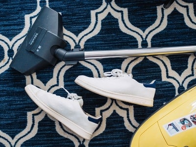 Clean your carpets with Carpet Shampoos and cleaners