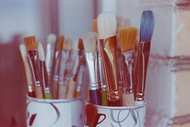 Oil Clean Paint Brushes